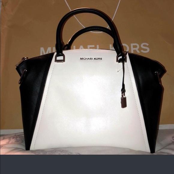f3226feb568b Michael Kors large Leather Sadie Satchel